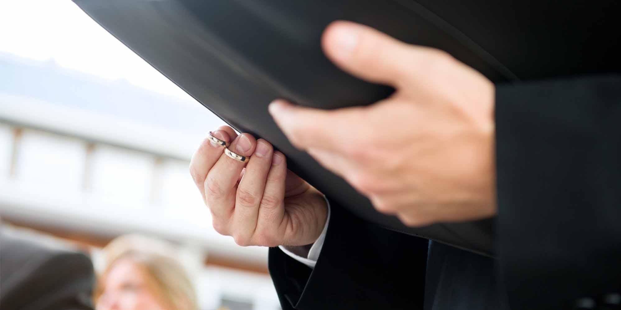 Wedding Officiant Speech.10 Best Seattle Wedding Officiants Expertise